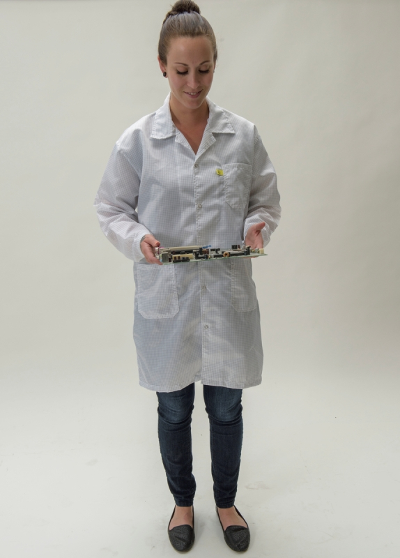 ESD Lab Coat PROTECTS ESD Sensitive products